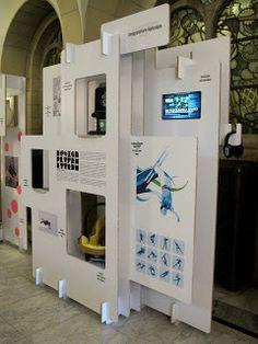 Det er firkantet men stadig lidt i lag. Design platform Rotterdam traveling exhibition.