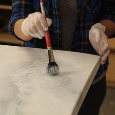 How To Paint Faux Marble — The Family Handyman Make old furniture feel new and luxurious with this easy-to-do painting technique! Faux Marble Countertop, Faux Granite, Kitchen Countertops, Painted Countertops, Resurface Countertops, Kitchen Island, Marble Painting, Faux Painting, Painting Tips