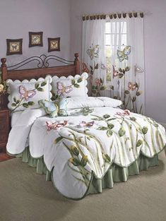 What Does Harmony Floral Comforter Bedding Mean 45 - findmynewhomes Home Decor Furniture, Home Decor Bedroom, Diy Home Decor, Luxury Bedspreads, Luxury Bedding, Bed Cover Design, Bed Design, Floral Comforter, Comforter Sets