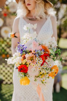 35 Moody Wedding Bouquet Ideas for Your Fall Wedding. Get your wedding bouquet inspiration with lush fall colors now in Laced in Love Weddings! Poppy Wedding Bouquets, Floral Wedding, Wedding Yellow, Poppy Bouquet, Mustard Wedding, Wedding Bridal Bouquet, Poppy Flower Bouquet, Boho Wedding, Wildflower Bridal Bouquets