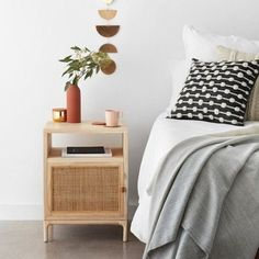 Bambus- und Rattan-Möbel - ein kleiner Shoppingguide - heylilahey. Rattan, Modern Cabinets, Wood Cabinets, Melbourne, Basket Decoration, Cabinet Doors, Floating Nightstand, Bedside Tables, Bedroom Furniture