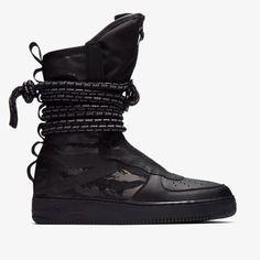 Release des Nike SF Air Force 1 High Boot Tactical Command ist am 02.02.2018. Bleibe mit 99kicks.com immer auf dem Laufenden was heiße Sneaker Releases angeht