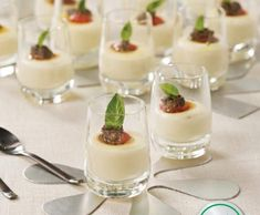 Finger Food Appetizers, Finger Foods, Knafe Recipe, Queso Manchego, Canapes, Tapas, Mousse, Make It Simple, Catering