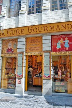 La Cure Gourmande | Bruges, Belgium *my fave* caramels & truffles for family! $$