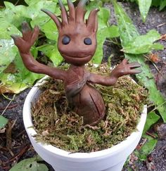 Groot from Guardians of the Galaxy (link to tutorial) - POTTERY, CERAMICS, POLYMER CLAY