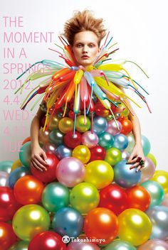 Colorful balloon dress - Japanese balloon artist Rie Hosokai uses latex balloons to create unique dresses that can only be worn 24 hours before they deflate and change color in hot weather. - Japanese poster of Takashimaya Department Store Balloon Dress, Balloon Balloon, Colourful Balloons, Girly, Unique Dresses, Crazy Dresses, Crazy Outfits, Latex Balloons, Wearable Art