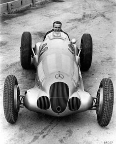 Rudolf Caracciola (1901 - 1959) 1922 Avus GP, Berlin 1922 Opelbahn 1923 Berlin Stadium GP 1923 ADAC Reichsfahrt 1924 Teutoburgerwald  1924 ADAC Reichsfahrt 1925 Kniebis hillclimb 1925 Freiburg hillclimb  1926 Teutoburgerwald race  1926 Herkules hillclimb  1926 Baden-Baden Automobile Tournament  1926 South German Rally  1926 German Grand Prix 1926 Grand Prix of Europe and Grand Prix of Guipuzcoa  1926 International Klausen Pass race  1927 Inaugural race at the Nürburgring  1927 Kartellfahrt…
