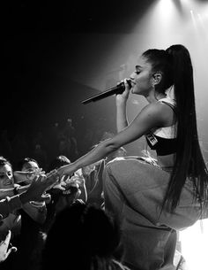 One day I will Be Standing In a Crowd Full Of Arrinators And Ariana Will Touch My Hand And Sing To Me OMG I Feel The Love Now ❤️❤️❤️