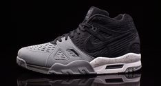 This Nike Air Trainer III Odes to Bo Jackson and the Raiders