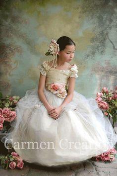 Victorian Flower Girl Dress Vintage Flower Girl por CarmenCreation, $115.00