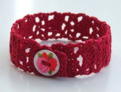 Lacy Crochet Bracelet Pattern. Free tutorial.