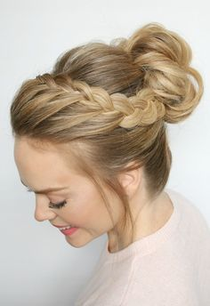 Christmas Updos Hair Styles For Fashion Trends //  #Christmas #Fashion #Hair #STYLES #Trends #updos
