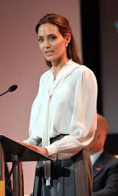 At Global Summit to End Sexual Violence in Conflict in London on Angelina Jolie Images, Angelina Jolie Makeup, Angelina Jolie Style, Professional Outfits, Professional Women, Boss Lady, Girl Boss, Aesthetic Women, Richard Gere
