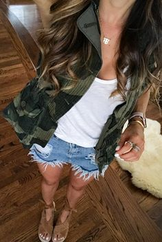 #summer #outfits  Another Look At Today's Outfit💚obsessed With This Camo Utility Vest! Also, Linked My Wedges Y'all Were Asking About!🙌🏼