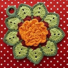 8 Beautiful Crochet Potholders by Kelly Colver