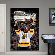 1000 images about bedroom ideas on pinterest boston for Bruins bedroom ideas