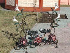 Подставки под цветы из металла + фото