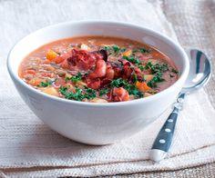 Pour une entrée équilibrée à base de légumes, nous vous proposons une recette de soupe de lentilles et de carottes.