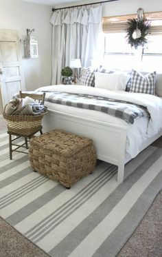 home decor bedroom 35 Good Urban Farmhouse Master Bedroom Makeover Ideas Master Bedroom Makeover, Master Bedroom Design, Home Decor Bedroom, Bedroom Designs, Bedroom Curtains, Diy Bedroom, Master Bedrooms, Budget Bedroom, Bedroom Decor Master For Couples