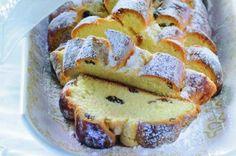 Sváteční vánočka | Apetitonline.cz Cast Iron Dutch Oven, Czech Recipes, Mini Cheesecakes, Sweet Desserts, French Toast, Brunch, Food And Drink, Cooking Recipes, Sweets
