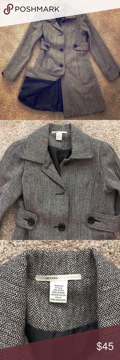 Tweed Pea Coat Tweed pea coat in great condition! Three buttons down the front and has pockets! I am about a size 4/6 and it fits me perfectly. Black and white tweed kind of creates a gray tone with touches of silver. Only worn once. Hot Kiss Jackets & Coats Pea Coats