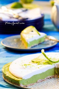 Paleo Key Lime Pie: Dairy-free, Nut-free and Vegan  @Anne / La Farme Dann Spirit
