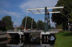 Brug over de Opsterlandse Compagnonsvaart (Turfroute) in Terwispel Marina Bay Sands, Netherlands, Holland, Bridge, Building, Travel, Buildings, Viajes