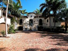 Today, Miami Design District will show you the Most Amazing Celebrity Homes in Miami. - See more at: http://miamidesigndistrict.eu/design/most-amazing-celebrity-homes-in-miami/#sthash.pt9o8Tin.dpuf