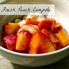 Fresh Peach Compote: Recipe from Lavende & Lemonade Sub maple syrup or agave for sugar! Coulis Recipe, Compote Recipe, Fruit Compote, Fresh Peach Recipes, Healthy Lemonade, Canning Peaches, Cooking Recipes, Healthy Recipes, Gourmet