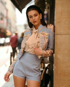 Fashionista T - - Stage Outfits, Mode Outfits, Look Fashion, High Fashion, Fashion Design, 80s Fashion, Korean Fashion, Fall Fashion, Vintage Fashion