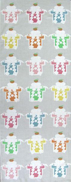 Japanese washcloth,Tenugui 色いろ鏡餅 Colorful New Year's Mochis