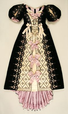 Ball gown Date: 1890s Culture: French Medium: silk. Front