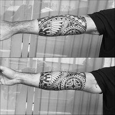 Mais uma sessão. Cliente de Ubatuba. #maoritattoo #maori #polynesian #tattoomaori #polynesiantattoos #polynesiantattoo #polynesia #tattoo #tatuagem #tattoos #blackart #blackwork #polynesiantattoos #marquesantattoo #tribal #guteixeiratattoo #goodlucktattoo #tribaltattooers #tattoo2me #inspirationtatto