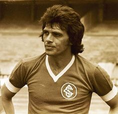 The greatest defender of all times. Sc Internacional, Sports Clubs, All About Time, Nostalgia, Football, Brazil, Colorado, Times, Vintage Football