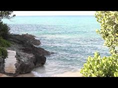 Drew's Bay, Bermuda.  I filmed this video with a Canon EOS 600D DSLR with Rokinon 35mm T1.5 Cine lens.  Drew's Bay is a great place to visit while riding mopeds in Bermuda.  It's located right down the road from Fort St. Catherine.