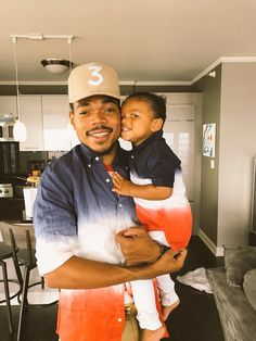 Happy Fathers Day Chance 💖(I always post them) Daddys Little Princess, Daddys Girl, Fathers Love, Happy Fathers Day, Black Boys, Black Men, Chance The Rapper, Black Families, Hip Hop Rap