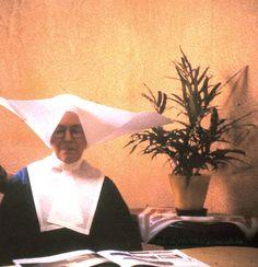 Siostra Gabriela Batke w habicie z charakterystycznym czepkiem (kornetem) noszonym przez siostry do 1964