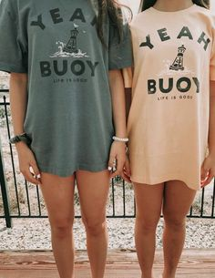 This shirt is how we feel about summer! Wear this shirt over your bikini and head on over to the beach or wear it out on your next hike! Size up for an extra comfy fit Trendy Outfits, Summer Outfits, Girl Outfits, Cute Outfits, Fashion Outfits, Summer Wear, Women's Fashion, Fasion, Lange T-shirts
