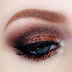 Coppery eyeshadow