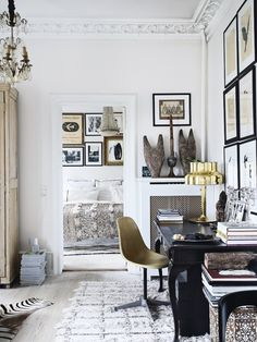 Classic style home office.