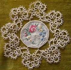 2Pc-Victorian-Vintage-Small-Doily-Lot-TATTING-Tatted-Petit-Point-Spool-Lace