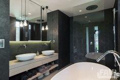 Moderní koupelny inspirace - Interiér rodinného domu, Moravská - Favi.cz