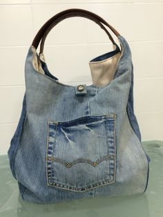 images about Crafty ideas Only Jeans, Love Jeans, Jean Purses, Purses And Bags, Diy Tote Bag, Denim Ideas, Denim Crafts, Recycled Denim, Denim Bag