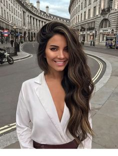 Long Wavy Ash-Brown Balayage - 20 Light Brown Hair Color Ideas for Your New Look - The Trending Hairstyle Brown Hair With Blonde Highlights, Brown Hair Balayage, Beige Rose, Hair Colorful, Pinterest Hair, Brown Hair Colors, Pretty Hairstyles, Long Brunette Hairstyles, Beauty Photography
