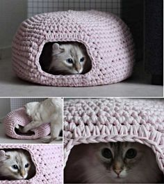 DIY Crochet Cat Cave - Vita Subačius - DIY Crochet Cat Cave Do you want to make a great hiding place for your cat? Try to crochet this cat cave. It's easy (even for beginner) to crochet and will defin. Crochet Diy, Chat Crochet, Crochet Mignon, Pull Crochet, Crochet Simple, Crochet Cat Pattern, Crochet Gratis, Crochet Amigurumi, Free Pattern