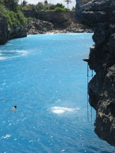 Bali Cliff Diving in Blue Lagoon - I have to do this!