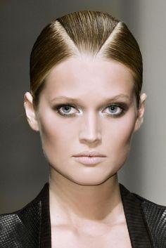Comment maquiller ses yeux ce printemps? Femina.ch vous parle de toutes les tendances à suivre.    http://femina.ch/galeries/mon-style/maquiller-ses-yeux-pour-le-printemps    (CP: Imaxtree)
