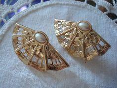 Vintage Avon Gold Tone Faux Pearl Fan Earrings