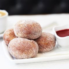 Celebrate mom over beignets, eggs benedict & french toast! We will be serving brunch today and tomorrow from 9AM–3PM