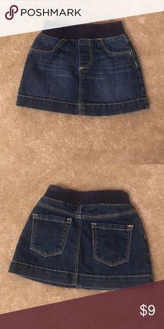 Jean skirt Old navy jean skirt. GUC Old Navy Bottoms Skirts